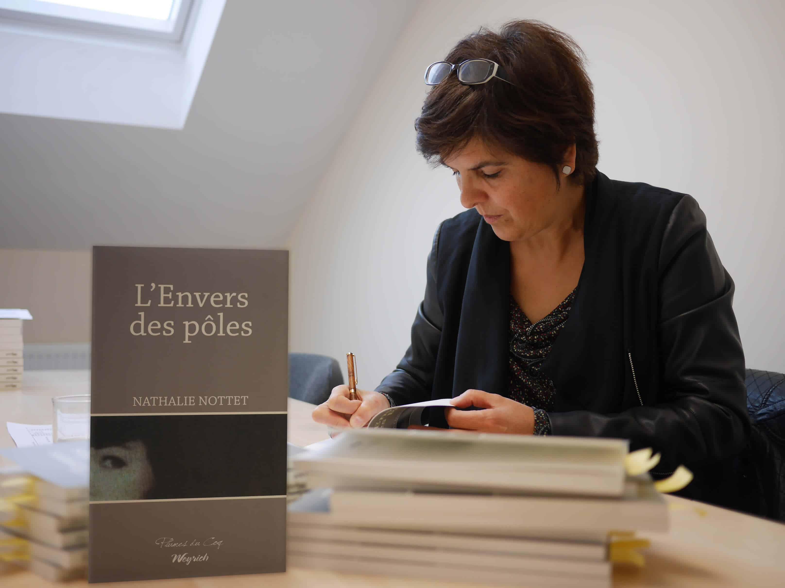L'Envers des pôles, premier roman de Nathalie Nottet